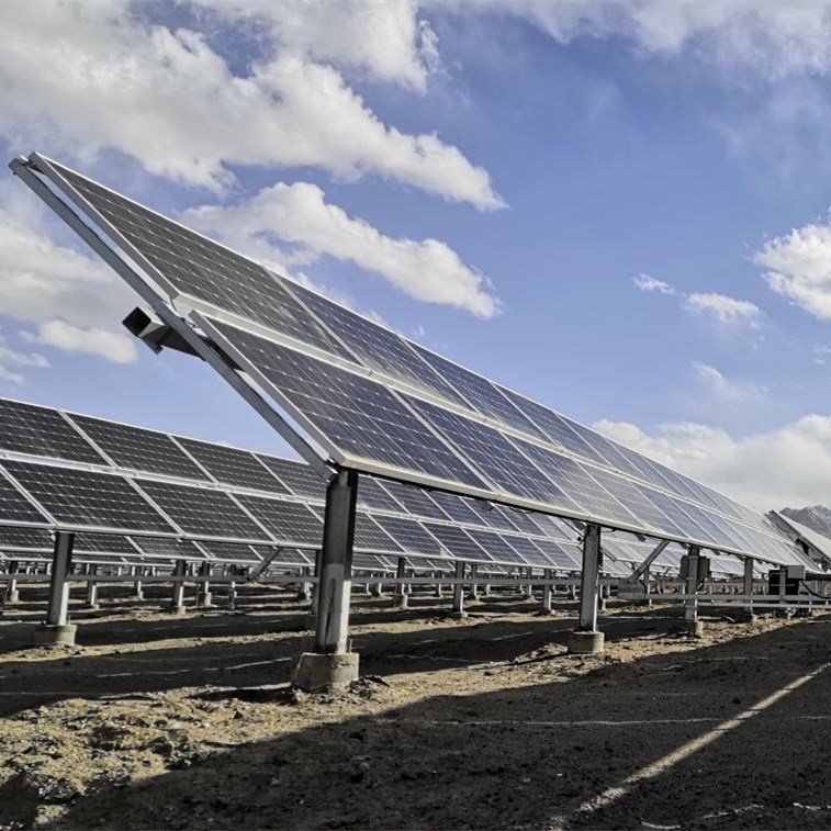 Bifacial modules: The challenges and advantages